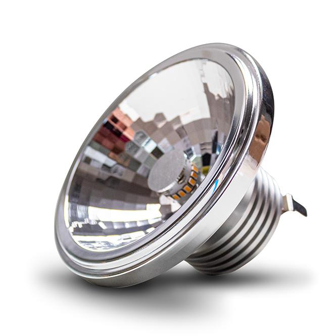 Nahaufnahme der Seitenansicht des Constaled AR111 LED-Spots 30548